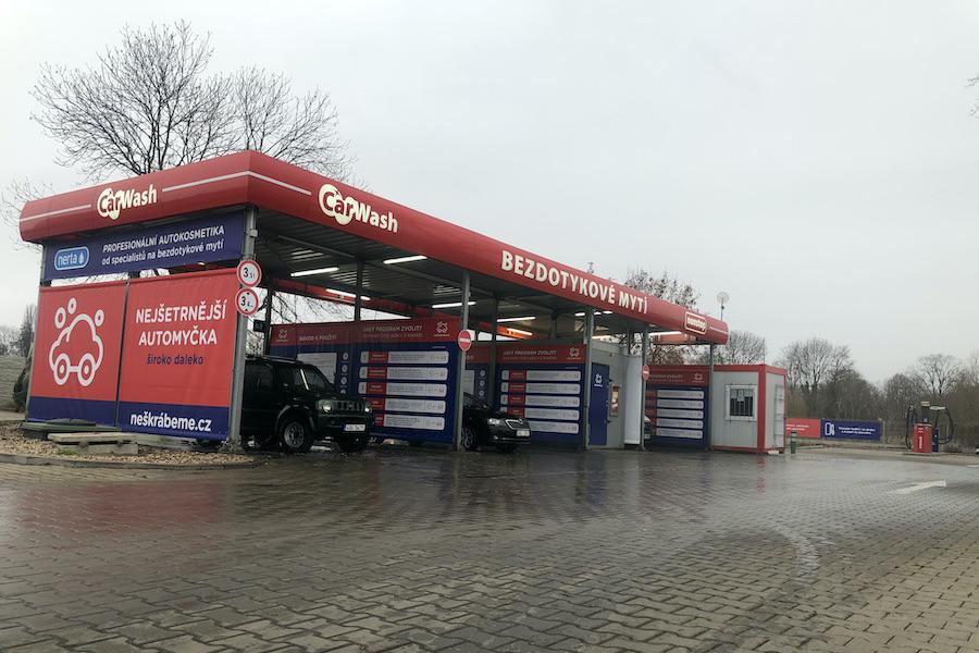 Samoobslužná bezdotyková automyčka Český Brod - ulice Jana Kouly, v areálu OC Pila, u prodejny BILLA